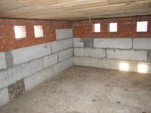 Полы цокольного этажа: подвесной и монолитный