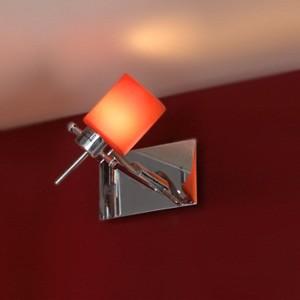 Установка настенных светильников